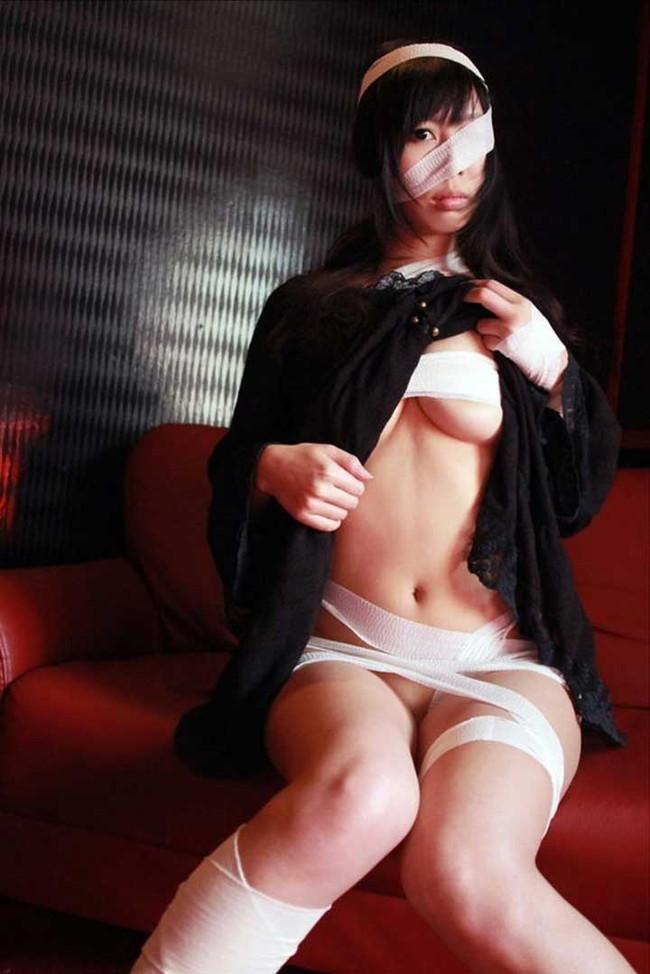 【ヌード画像】包帯巻いてるヌード画像って得も言われぬエロさがあるよね!どう見てもケガ関係なく包帯巻いてるエロ画像集(50枚) 47
