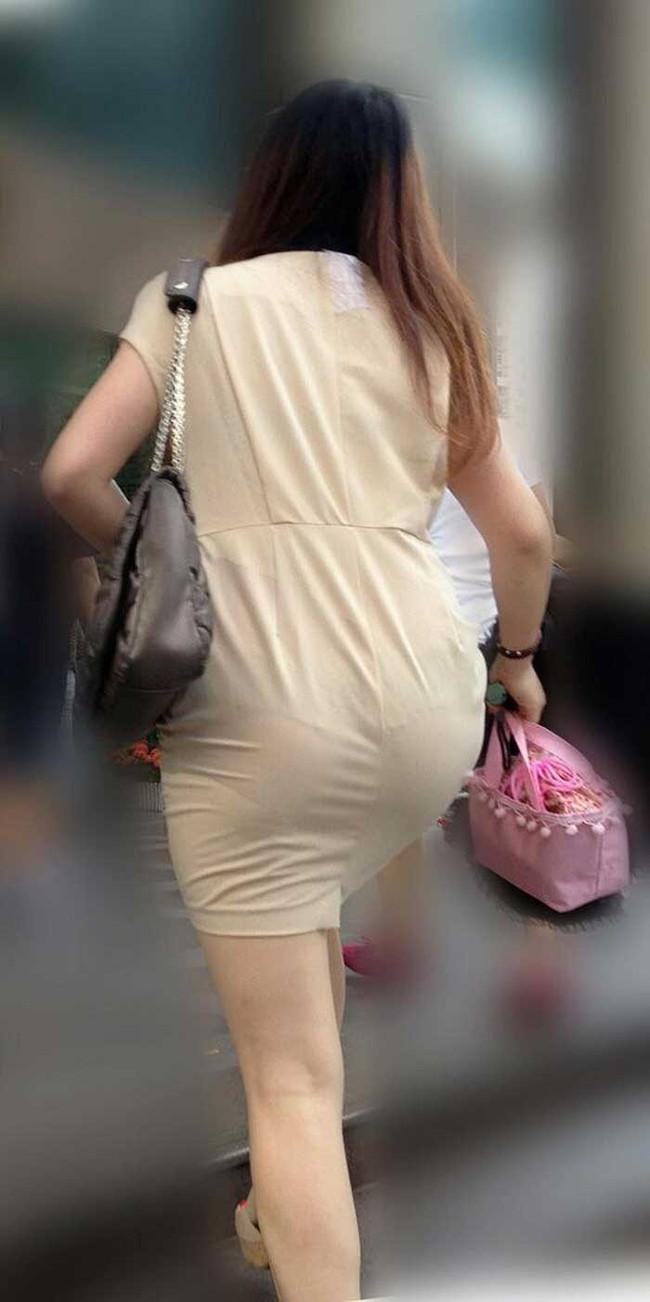 【ヌード画像】パッツパツのパンツだかレギンスだかを履いて街を普通に歩いてるオンナって死ぬほどエロいのに気付かないの?的画像集(50枚) 40