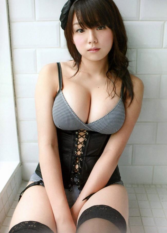【ヌード画像】エロい事何も知らないような顔して超巨乳というズルすぎるギャップありすぎな女の子のエロ巨乳画像集(50枚) 40