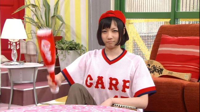 【ヌード画像】女の子が野球のユニフォーム着ると想像以上にエロくなるという事を女性自身はまだ知らないのだろうか?野球ユニのセクシー画像(50枚) 26