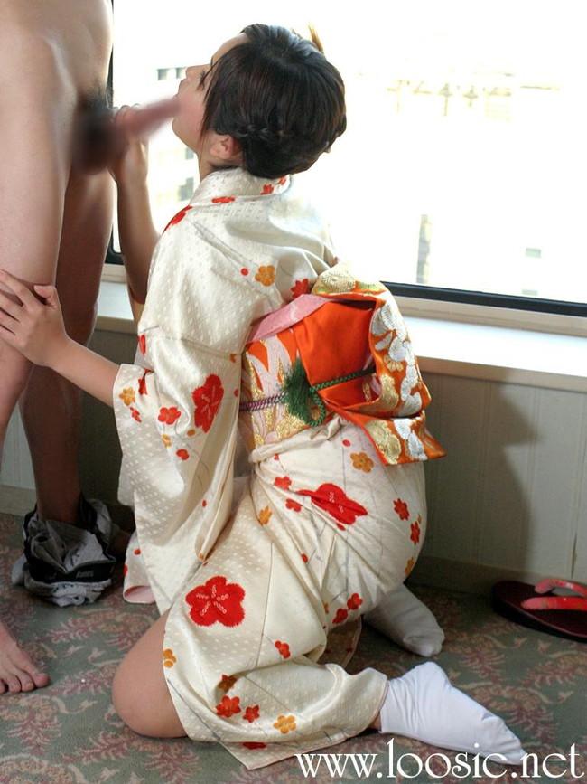 【ヌード画像】浴衣とか着物とかの和服がはだけてエロい瞬間が通常の5割増しでエロい件!はんなりエロい和服ヌード画像集(50枚) 13