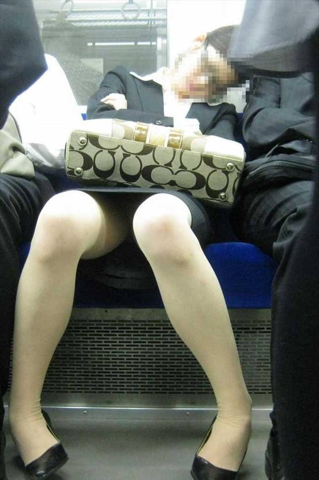 【ヌード画像】エロい!エロいぞリクルートスーツ!この初々しさとぴったりお尻のギャップ感がたまりません!(50枚) 25