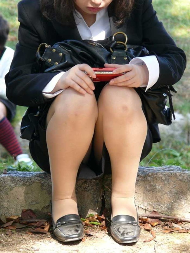 【ヌード画像】エロい!エロいぞリクルートスーツ!この初々しさとぴったりお尻のギャップ感がたまりません!(50枚) 42