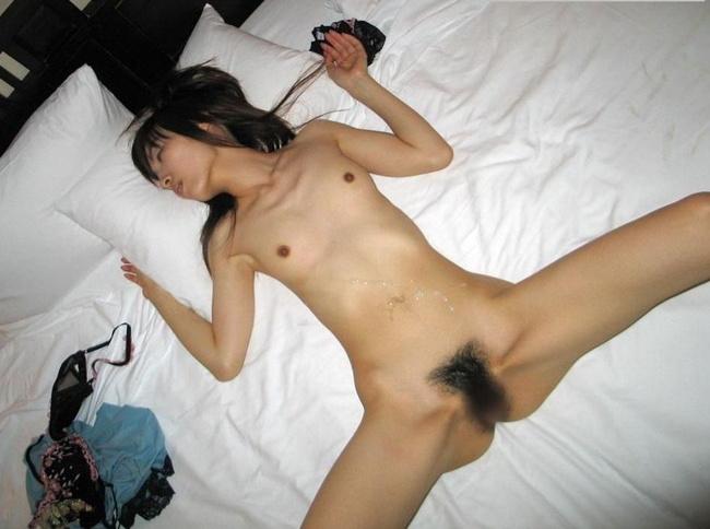 【ヌード画像】精子をかけられてエロさが倍増している全裸の女の子の画像(30枚) 28