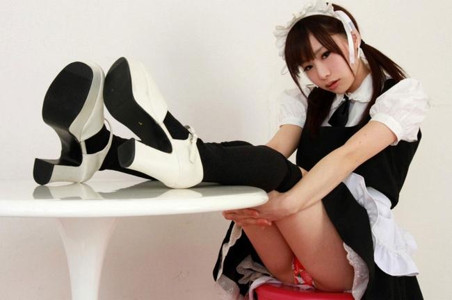 【ヌード画像】萌えるメイドさんのエロ可愛いセミヌード画像(30枚) 04
