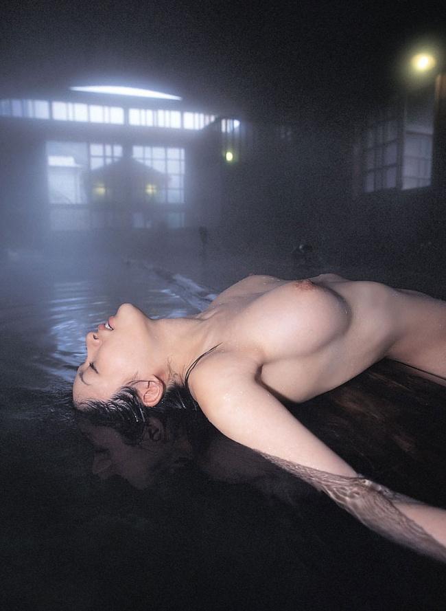 【ヌード画像】たわわな巨乳から驚愕の爆乳まで、でかいおっぱい画像(31枚) 07
