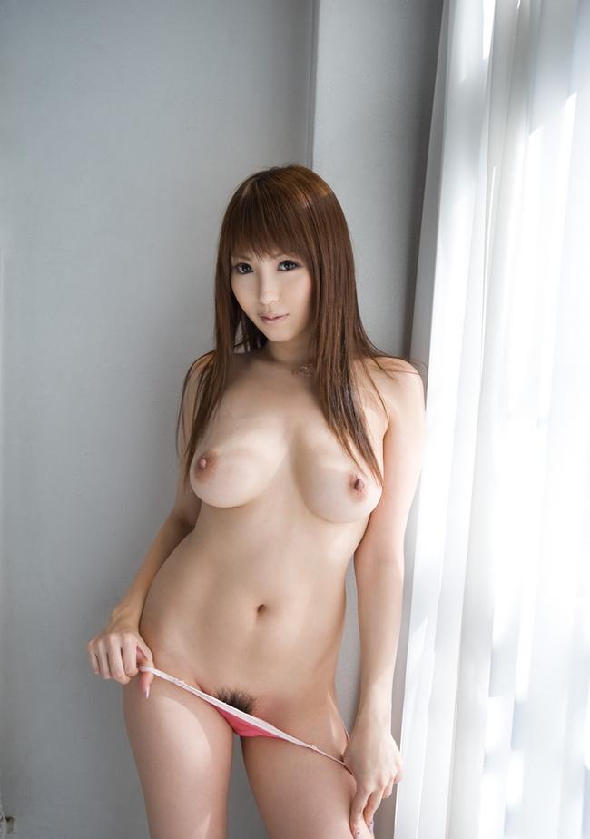 【ヌード画像】たわわな巨乳から驚愕の爆乳まで、でかいおっぱい画像(31枚) 27