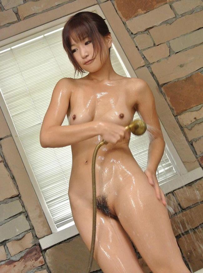【ヌード画像】シャワーで体を洗っている女の子(35枚) 15