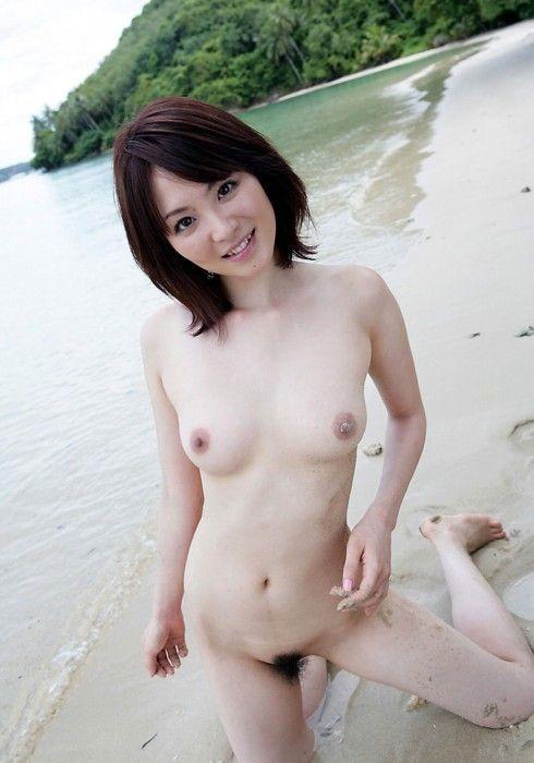 【ヌード画像】巨乳すぎず貧乳すぎない小ぶり美乳まとめ(30枚) 29