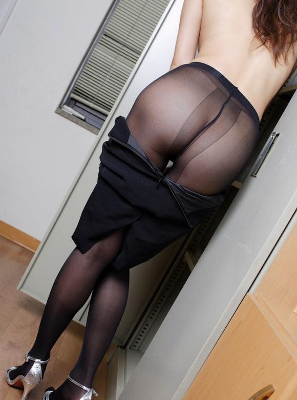 【ヌード画像】誘惑が強すぎるOLの着衣パンスト美脚(31枚) 26