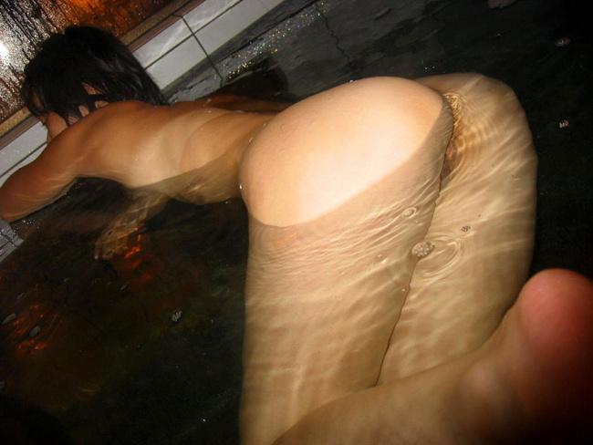 【ヌード画像】風呂で四つん這いになった例の美尻ポーズ(30枚) 24