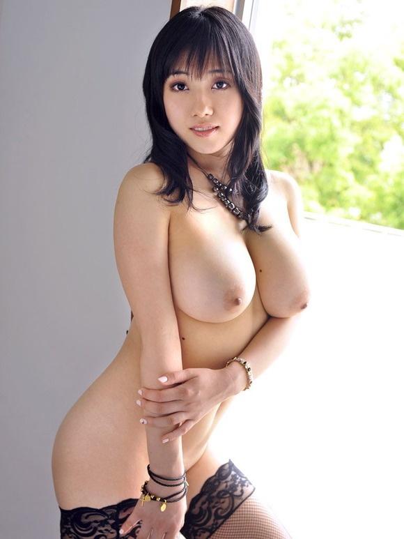 【ヌード画像】寄せて上げなくても大きい巨乳お姉さん画像(30枚) 22