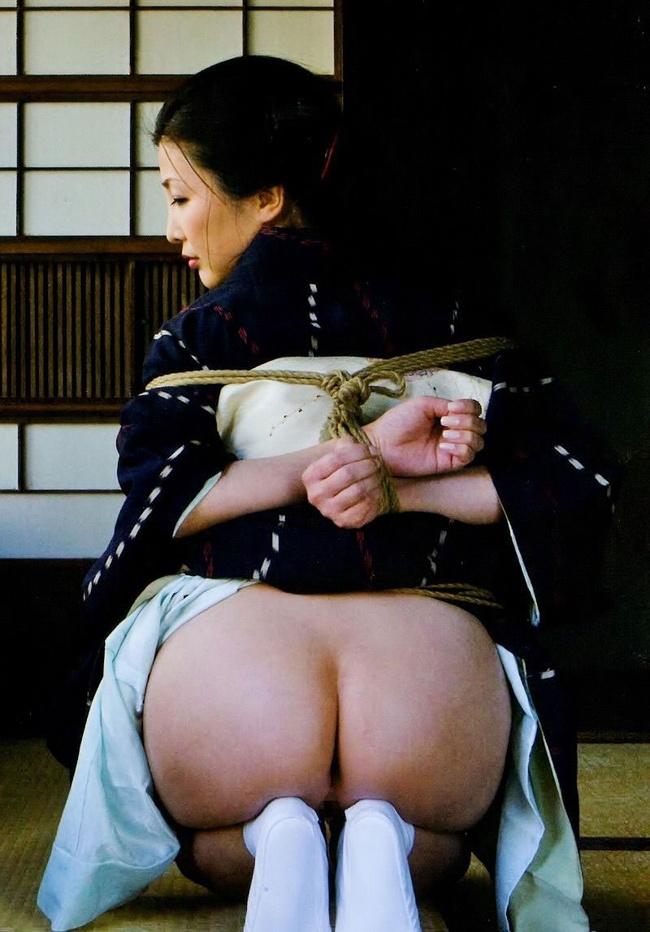 【ヌード画像】乱れ肌蹴ているだけでエロくなる和服まとめ(30枚) 08
