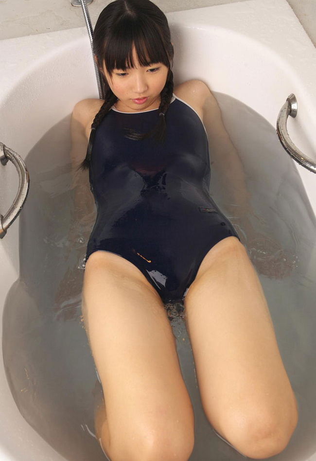 【ヌード画像】スク水・競泳水着は冬でもいけるのは何故か(30枚) 09