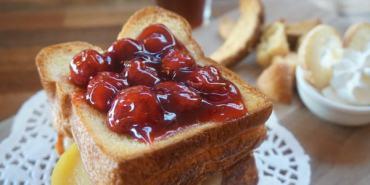 """【高雄三民美食】Lepain巴黎波波  *♥麵包坊餐廳""""樓中樓下午茶""""草莓布里歐"""