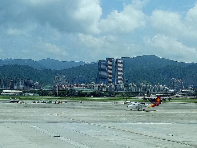 """【旅遊】上海自由行~出國旅遊~機場""""交通""""行前準備"""