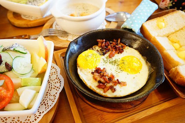 """【高雄鼓山美食】Enjoy Caf'e 享受咖啡  *♥高雄美術館聚餐咖啡早午餐""""貓咪友善早午餐"""""""