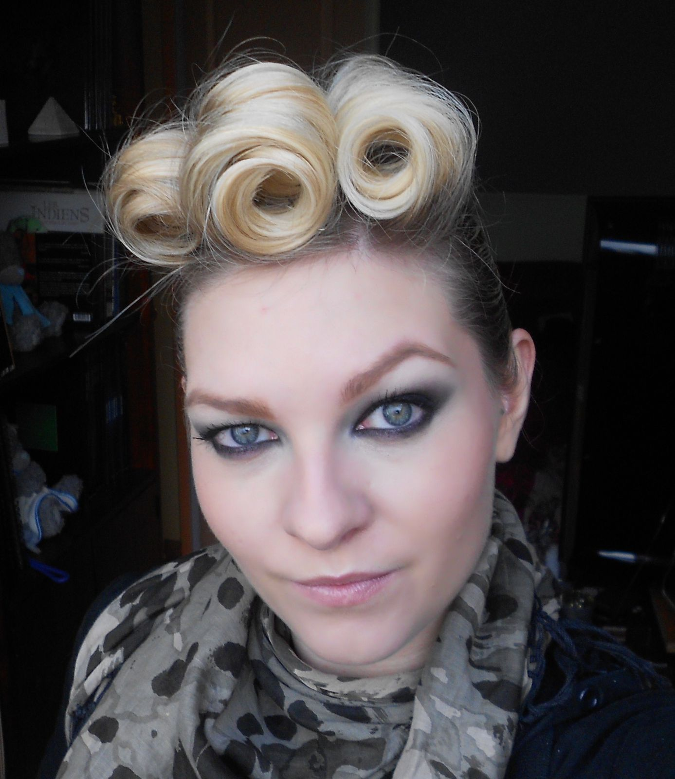 Coiffure J Style Tuto Coiffure Pin Up Style Sophie Make Up Artist