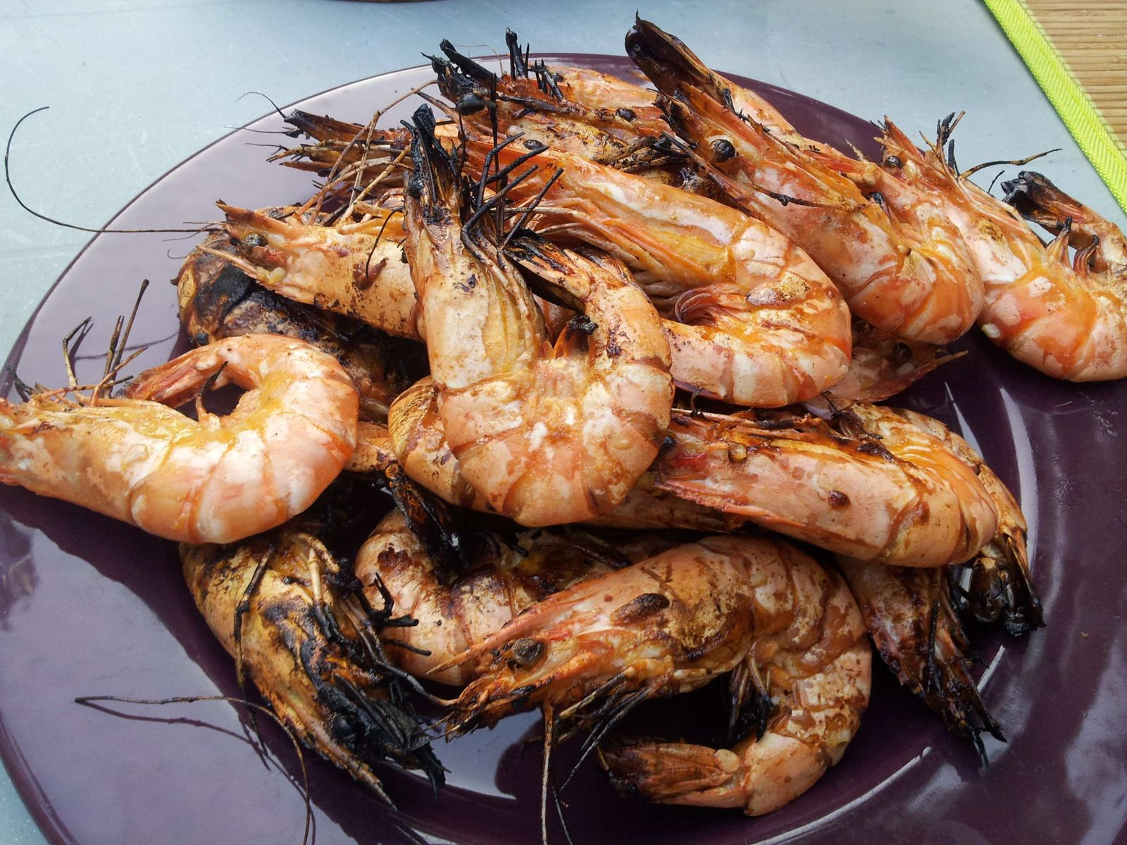 Crevettes grill es au barbecue avec marinade - Accompagnement gambas grillees ...