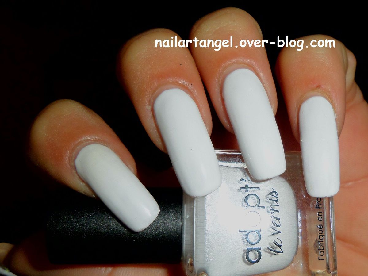 Ongle En Gel Beige Nail Polish Suggestions Wedding Nail