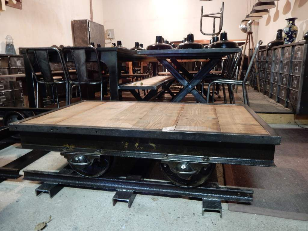 Table Bois Fer Design Table Basse Industrielle Wagon Ancien Fer Bois Geonancy