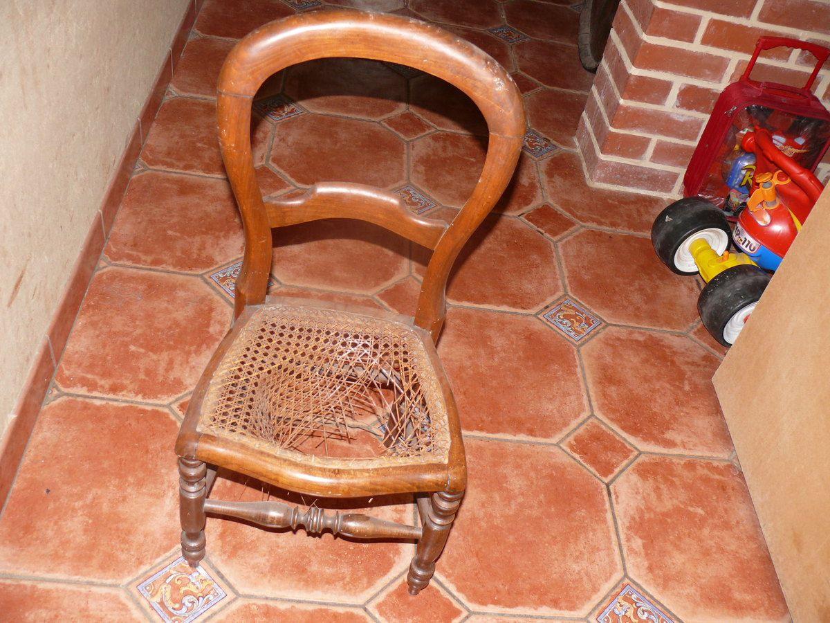 Retapisser Une Chaise Medaillon Amazing Vous Avez Dnich