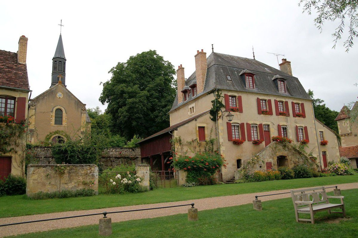 Apremont Sur Allier Chateau Les Plus Beaux Villages De France Apremont Sur Allier Cher