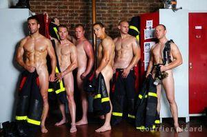 Les-pompiers-sexy-pour-la-bonne-cause_reference.jpg