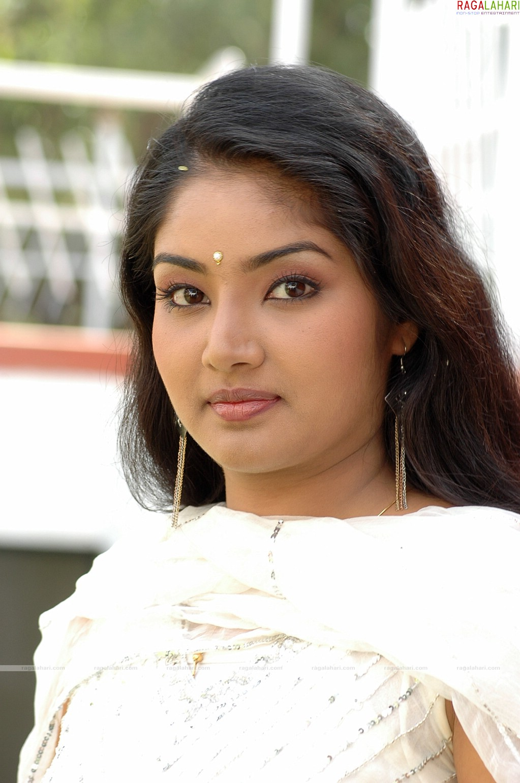 Indian Sweet Girl Wallpaper Lakshana Photo Gallery