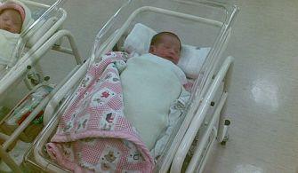 讓寶寶更好睡的秘訣—簡單包巾DIY