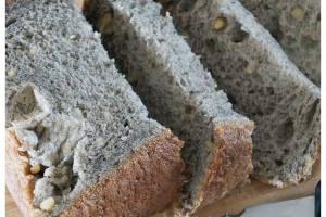 用麵包機做黑芝麻豆漿麵包