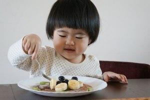 格友問:大寶寶如何練習咀嚼與自行用餐?How to help your baby learn to chew?