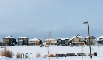 加拿大旅記:新雪中的小屋 Little Houses in Fresh Snow