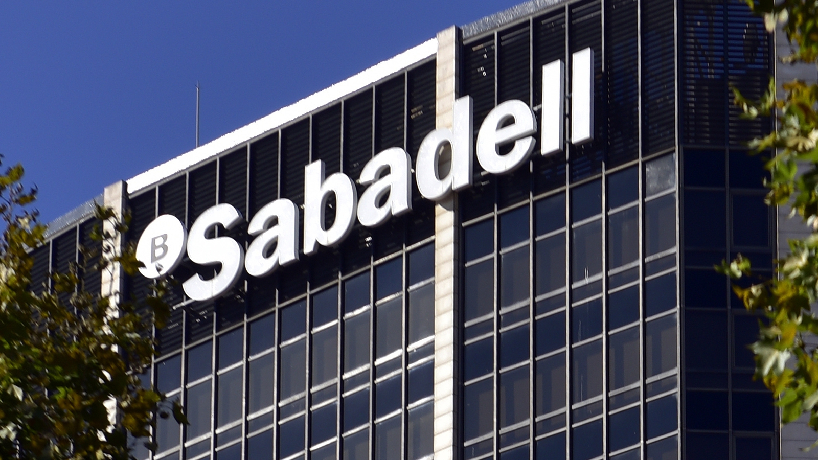 Sabaedell Tsb Outage Pushes Spain S Sabadell To Quarterly Loss