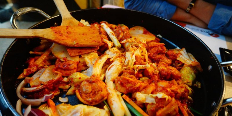 【食記*屏東】搭啵起司的辣醬雞翅 ♥ OMAYA麻藥瘋雞