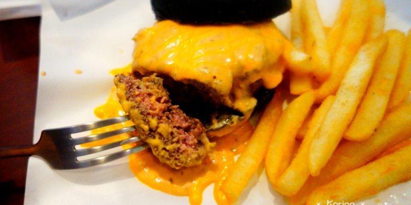 【高雄*食記】 Webberger ♥ 多汁啾C的手作美式漢堡
