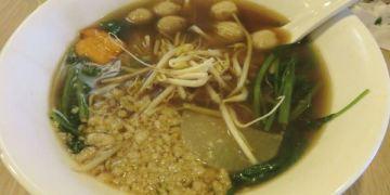 台北。阿寒泰 A HAN THAI。精緻不過要併桌的泰式船麵
