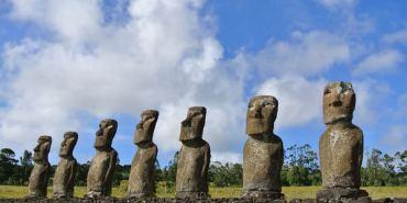 智利復活島。Ahu AKivi。世界盡頭。七座唯一面海moai