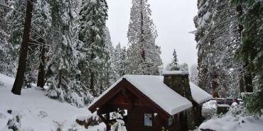 美國加州。Sequoia & kings Canyon National Park。Day1。雪白的世界