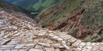 南美祕魯。庫斯科。半日遊。Maras。鹽田。海鹽自山頂哪兒來?
