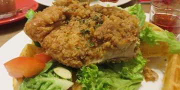 Singapore Revelry 為炸雞與咖啡狂歡 chicken & waffle paradise
