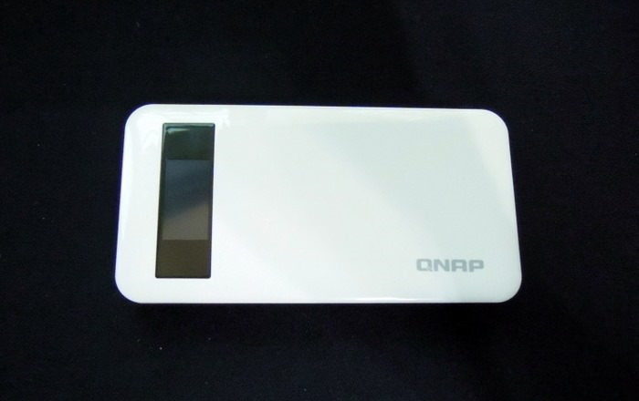 [開箱] QNAP QGenie 七合一的隨身NAS、行動電源、AP分享器,滿足你的行動生活!