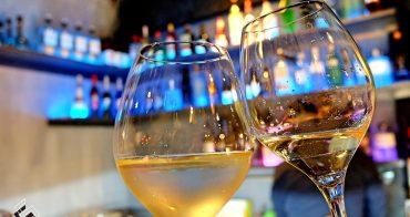 晝夜之戀,暖男熱愛的雙面生活《ONCE Cafe & Bar》西門町咖啡酒館