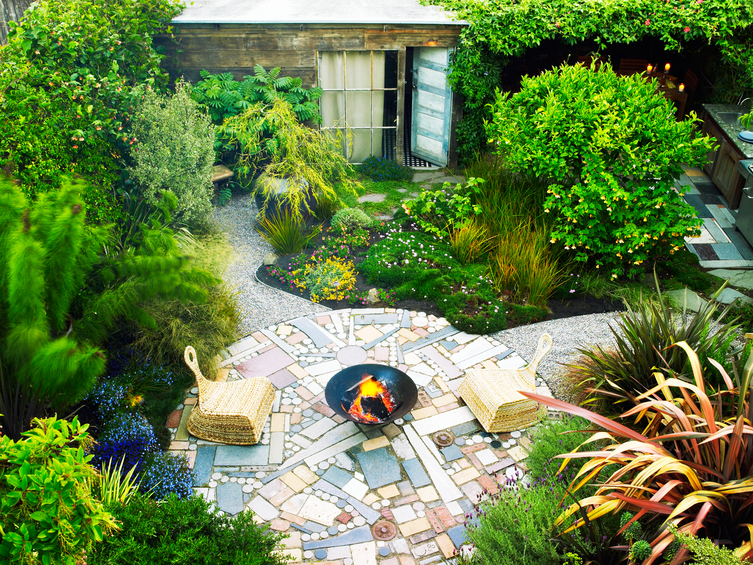 Phantasy Texas Making S Landscaped Front Yards Salvage Secrets Is Your Yard Or Garden Small On Get Big Ideas Landscaped Backyards S outdoor Pictures Of Yards Landscaped