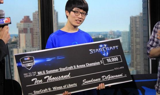 Ganar millones jugando a los videojuegos
