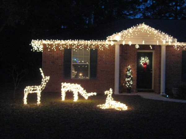 Repairing a Lighted Outdoor Christmas Decoration ThriftyFun - lighted outdoor christmas decorations