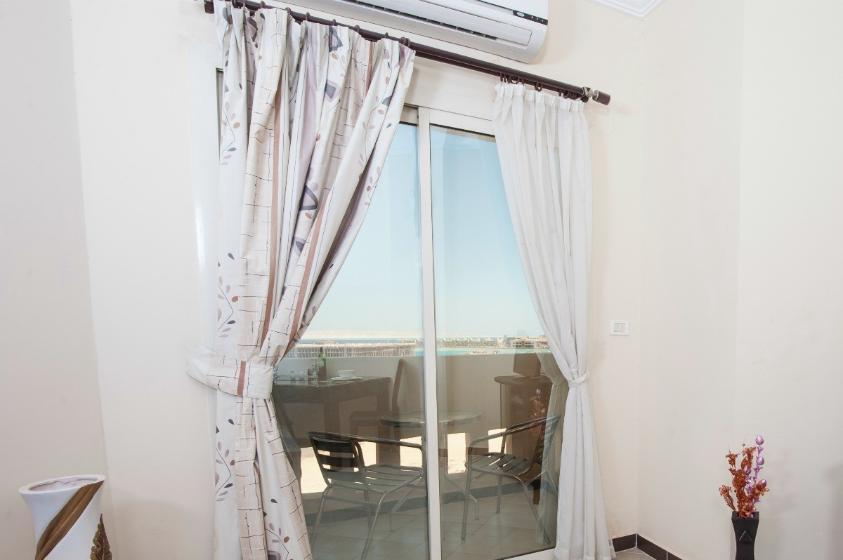 Curtains For Large Patio Doors Hanging Curtains Over A Sliding Glass Door Thriftyfun