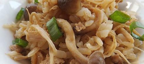 [食譜] 麻油菇炊飯(柳松菇 金針菇)