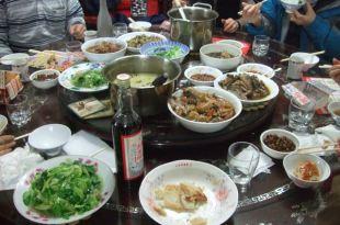 過年的廚房是女人的戰場…年菜共20道 23人份
