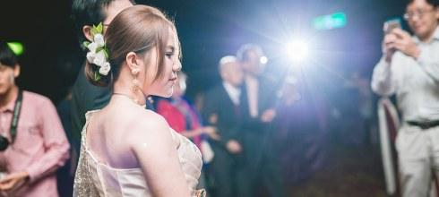 [婚禮][婚紗] 穿上傳統泰服婚紗